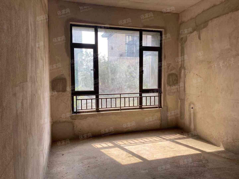 五象湖 合景天汇住宅性质边套联排别墅带花园 读双名校 地铁口